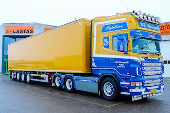 Flot ny Kel-Berg/Knapen 4 akslet Walking Floor trailer udleveret til KD Transport Fur ApS
