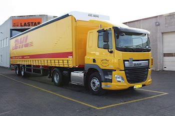 Flot ny DAF CF 370 FT SLC AS-T med en Kel-Berg 2 akslet city-gardintrailer til Skovby Transport